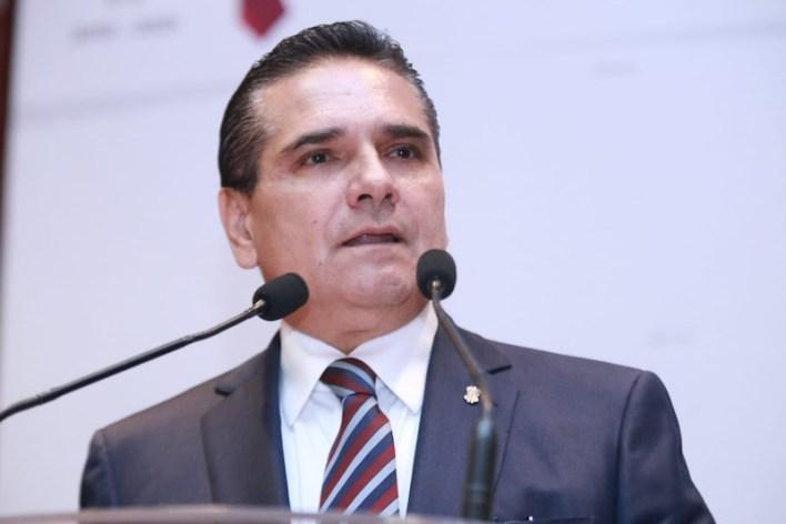 """Aureoles Conejo se pronunció a favor de combatir el """"huachicoleo"""" o robo de combustible, pero en contra de que en aras de ello se afecte a los ciudadanos"""