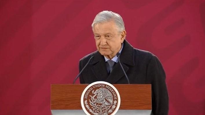 """""""Se toma la decisión en el marco de la Ley, cuando se trata de una emergencia se puede proceder a comprar de inmediato el equipo que se requiera"""", dijo López Obrador"""