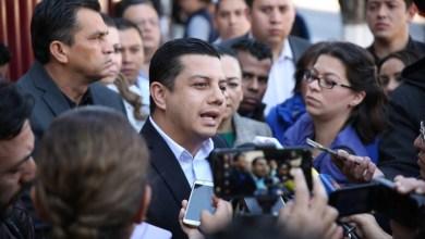 En representación de ciudadanos y empresarios michoacanos, la dirigencia y legisladores panistas acudieron a presentar el amparo ante el Poder Judicial
