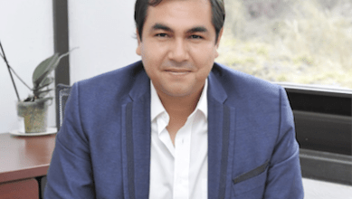 El autor, Dr. Javier Ríos, es coordinador de la ExpoCiencias, de la Red de actividades juveniles en ciencia y tecnología y coordinador del Encuentro de pandillas científicas de Michoacán, premio estatal de ciencia 2018, además de ser consultor de varias empresas en innovación y pensamiento de diseño