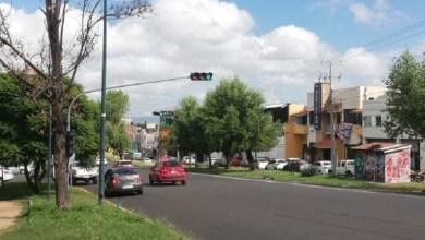 Reparan semáforo