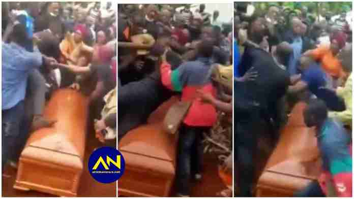 Video of family members fighting at the grave side of their deceased hit online [Watch]