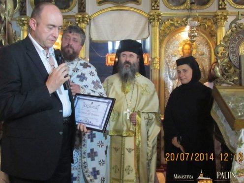ceremonie_titlu_cetatean de onoare Parintele Justin- Piatra Neamt4