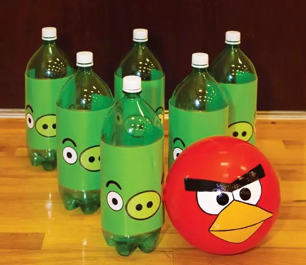 angry birds hostess boliche