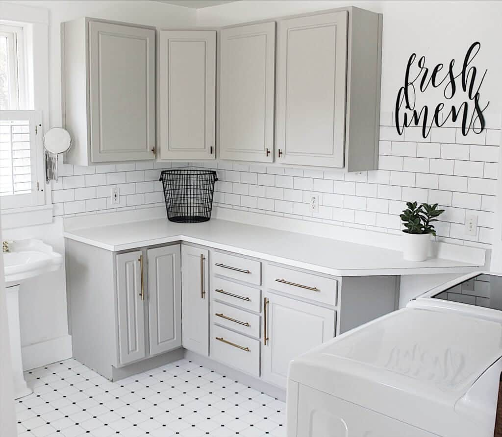 19 Amazing Laundry Rooms You Will Actually Want to do ... on Amazing Laundry Rooms  id=50304