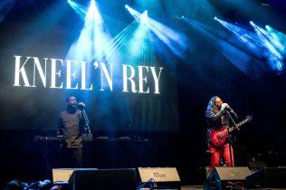 Kneel'N Rey
