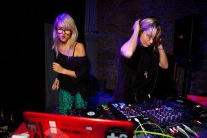 B;londish DJ