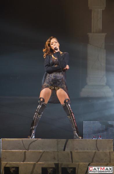 CatMax-Rihanna-Philips-Arena-1101