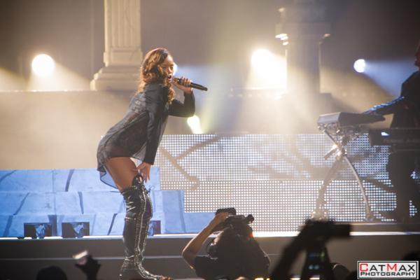 CatMax-Rihanna-Philips-Arena-1153