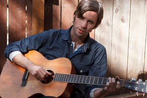 Interview with Willie Watson: Debuting His Solo Album Folk Singer Vol. 1 on 5/6