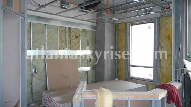 Same unit, looking into the kitchen.