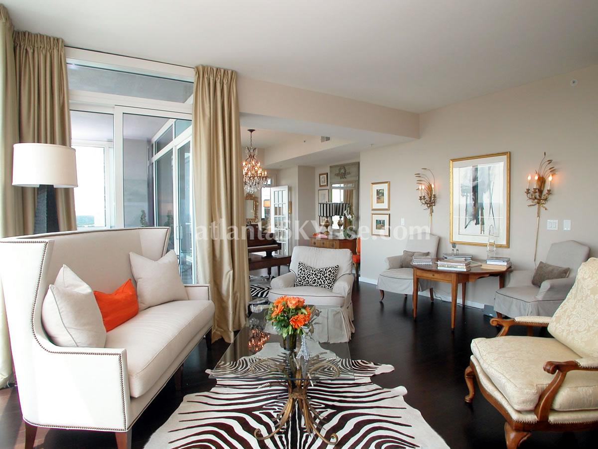 extraordinary price for gorgeous 3 bedroom condo at terminus 829 900