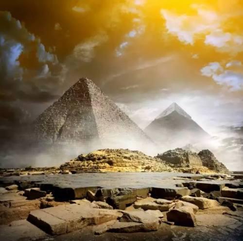 Perhiasan Kalung Mesir Kuno berasal dari …