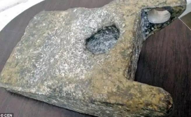 Artefak Berusia 250.000 Tahun