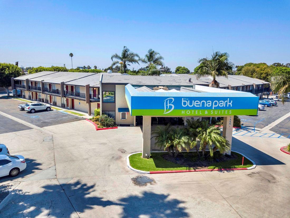 Buena Park Hotel & Suites (Buena Park)