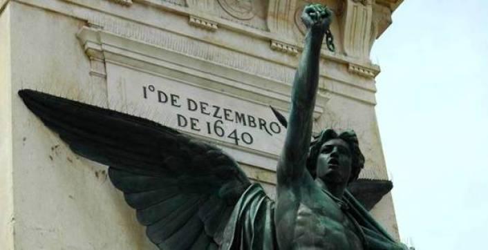 1-december-monument