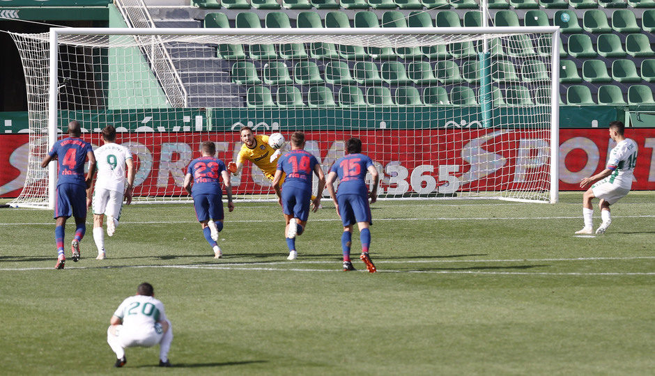 Simeone penalti Elche