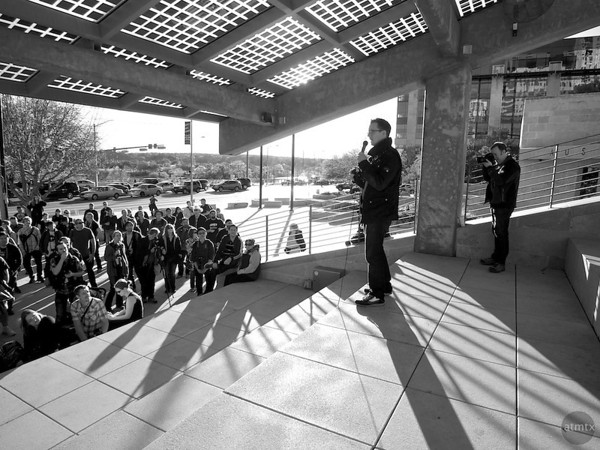Trey Ratcliff addresses the Crowd, SXSW Photowalk - Austin, Texase