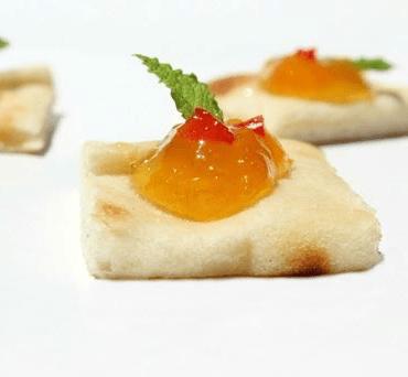 Mango Chutney & Mint Naan Bites