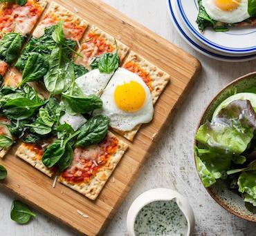 Lavash Pizza with Spinach, Mozzarella and Fried Egg