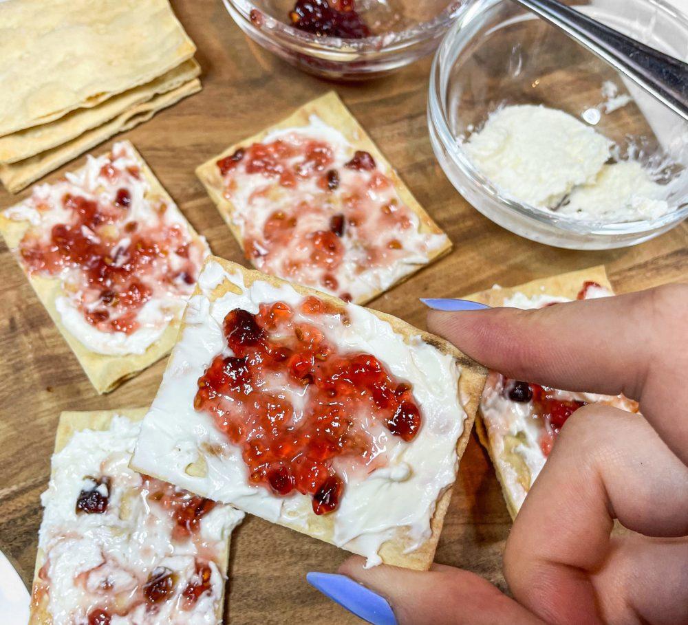 Hot & Sweet Cream Cheese Crackers