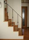 お客様より届いたオーダーメイドの階段手摺の設置写真