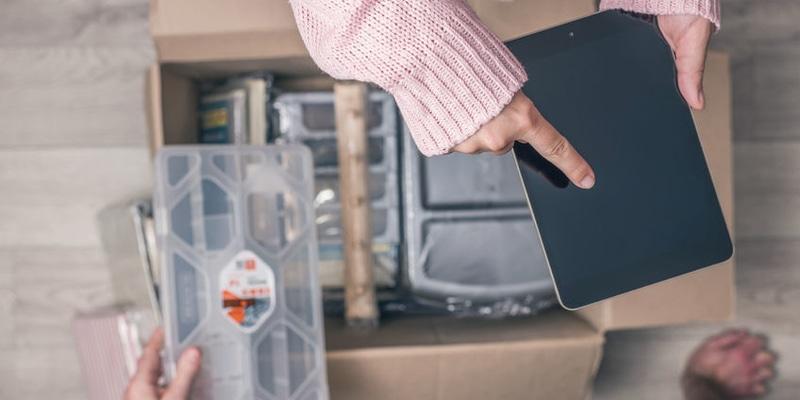 Ateliers à la maison En recevant dans leur boîte aux lettres le kit choisi en ligne, les familles poursuivent l'aventure Atorika jusque chez eux. Grâce à l'application numérique, parents et enfants partagent une activité ludique clé-en main.