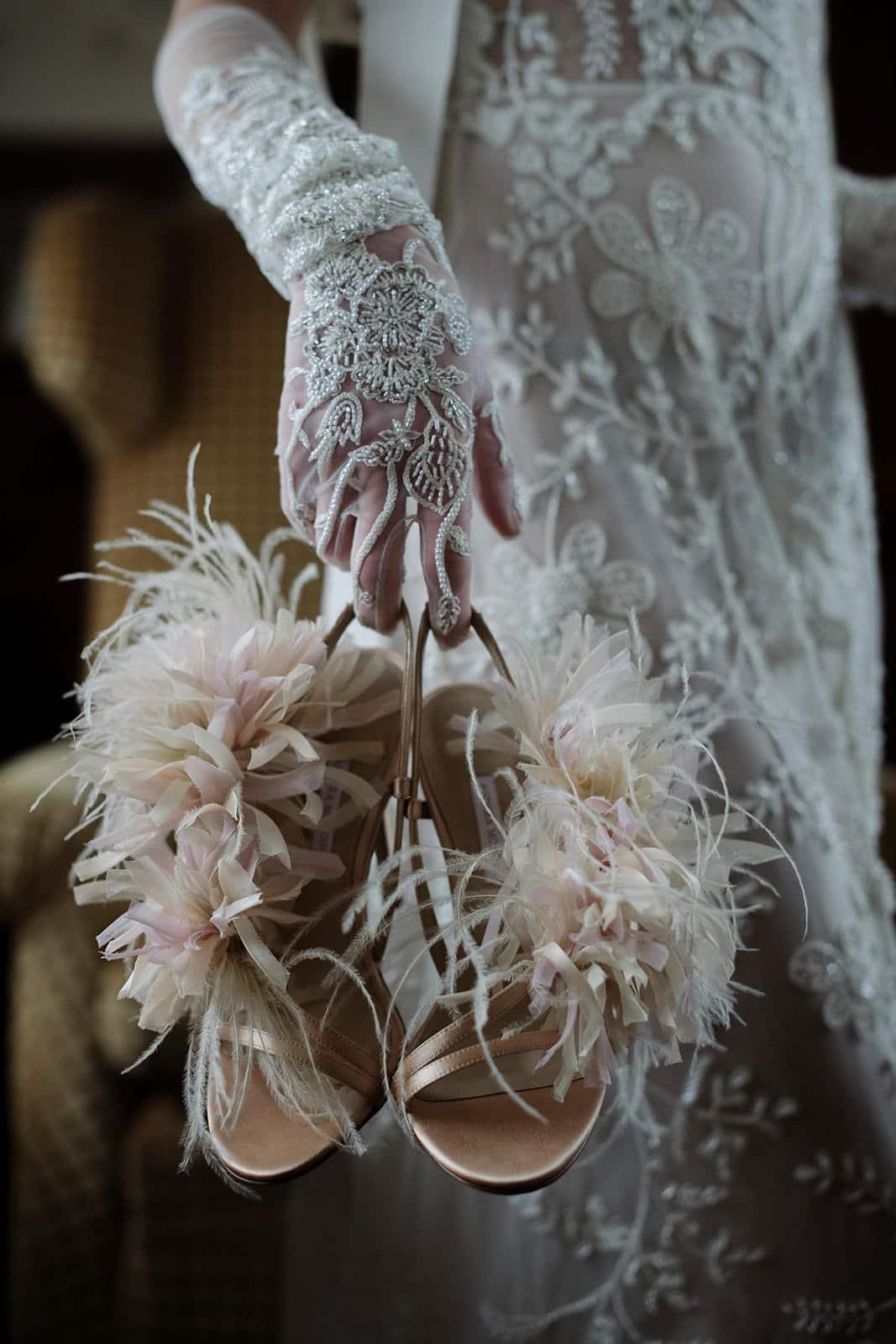Chaussures et robe de mariée haute couture Organisateur de mariage Atout Coeur Wedding