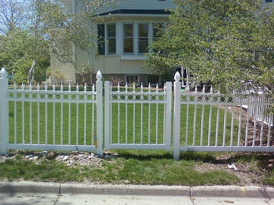 Choosing the Best Fence Materials