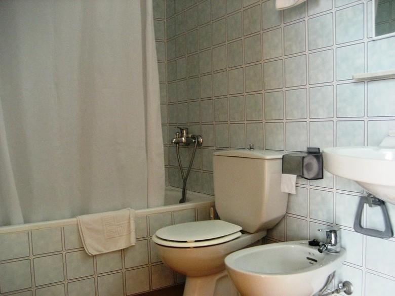 Compara gratis los precios de particulares y agencias. Apartamentos Vista Blanes, Cala'n Blanes (Menorca ...