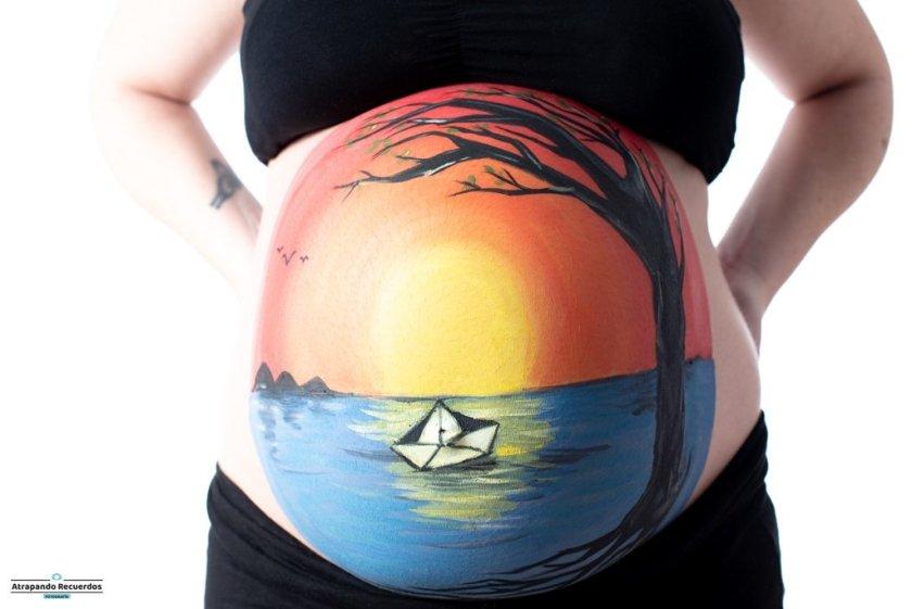 Body paint embarazada