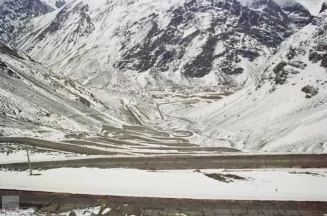Caracoles entre Chile e Argentina cheios de neve