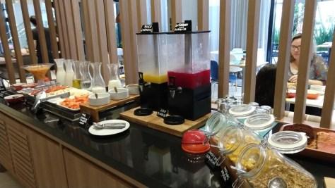Café da manhã no Adagio Apart Hotel Curitiba