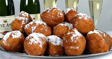 https://i1.wp.com/www.atsparkys.com/wordpress/wp-content/uploads/2008/11/oliebollen.jpg