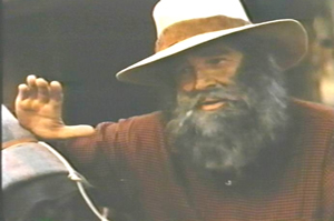 The wise old sage Rufe (Rod Cameron)