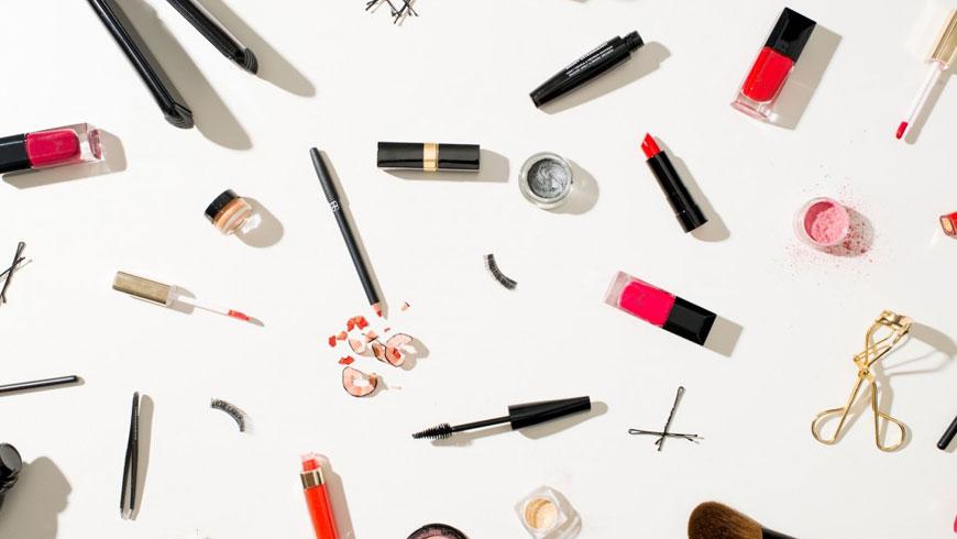 Hukum Menjual Kosmetik Tidak Tembus Air