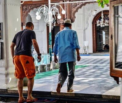 Shalawat ketika Masuk Masjid