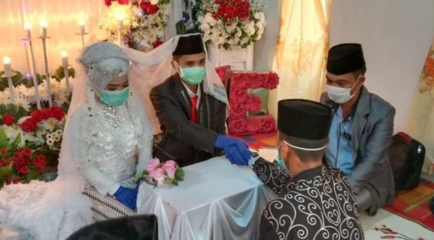Pernikahan dengan Wali Ustadz
