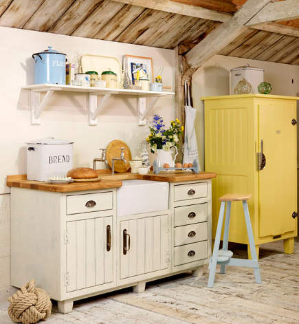plain white cottage kitchen sink base from the Steamer Bay collection - John Lewis of Hungerford via Atticmag