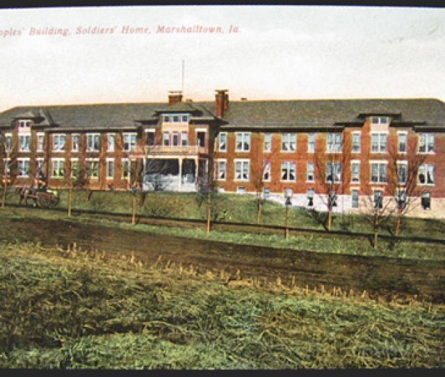 Soldiers Home Old Peoples Building Marshalltown Ia Postcard