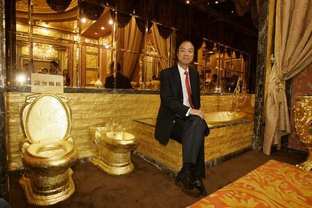 Il trono WC in oro 24K