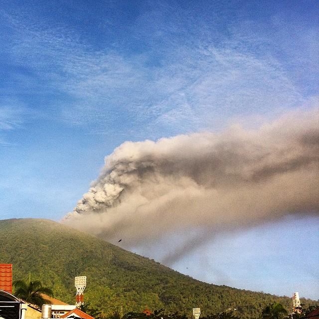 vulcano-Gamalama-indonesia1