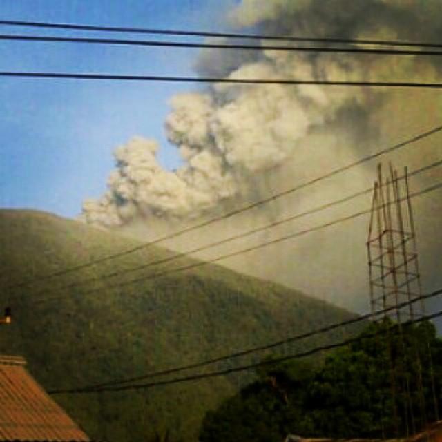 vulcano-Gamalama-indonesia3