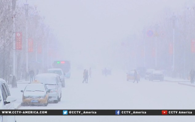 Heavy-snow-hits-large-swath-of-north-China1-800x500