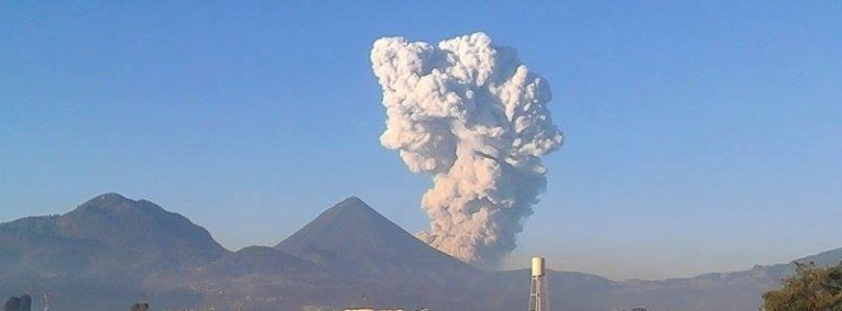 santa_maria_eruption_11apr2016_f
