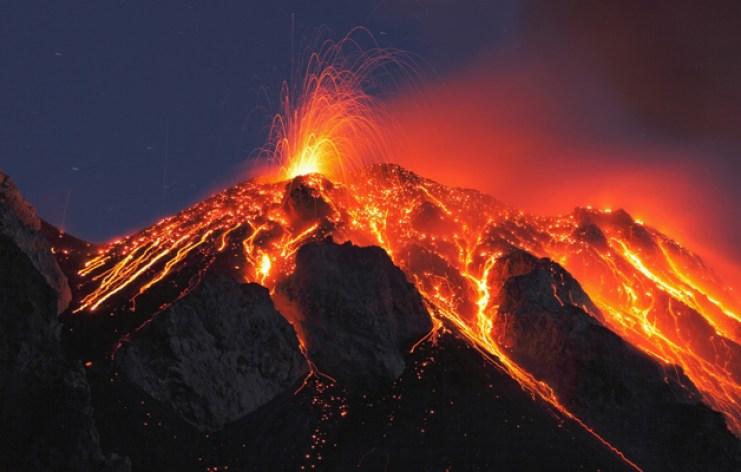 vulcano-stromboli-sicilia-foto-hot