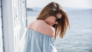 Gap_Denim_Offtheshoulder_Sausalito_1