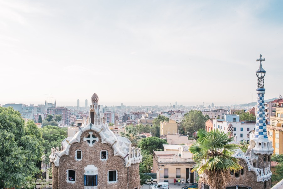 barcelona, sights to see in barcelona, parc guell, barcelona, travel blog