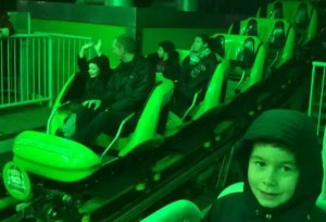 Christmas at Drayton Manor - Ben 10 Ultimate Mission in the Dark