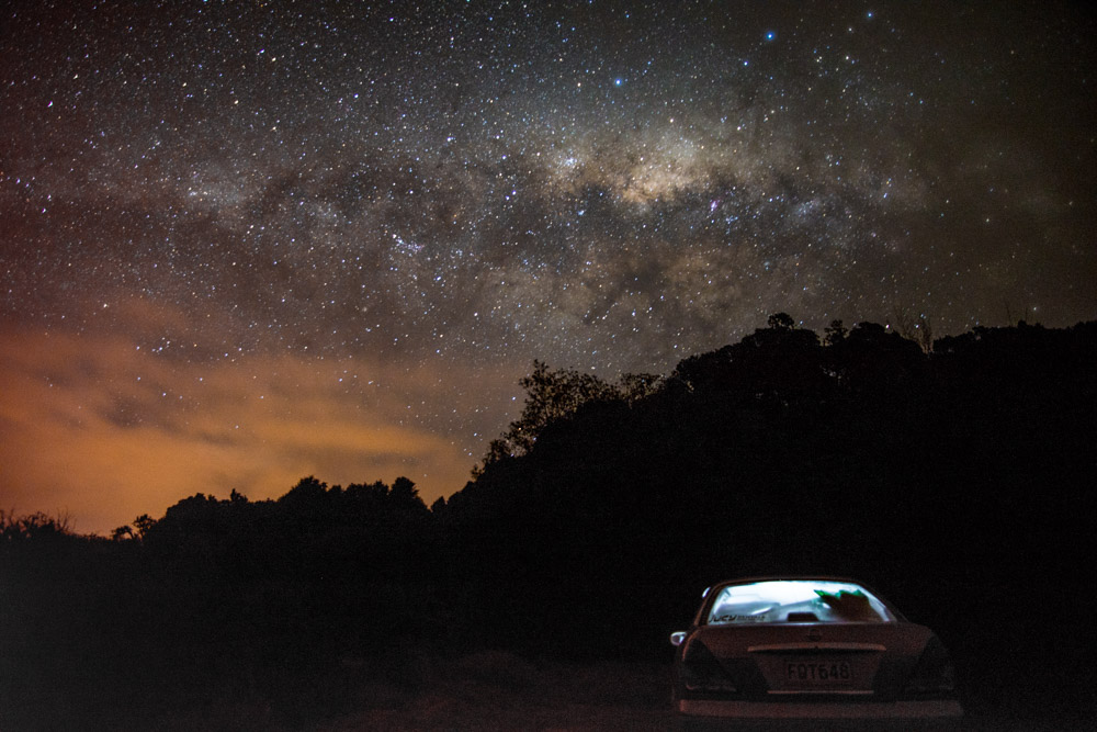 une nuit étoilée en camping sauvage en Nouvelle-Zélande avec relocation car